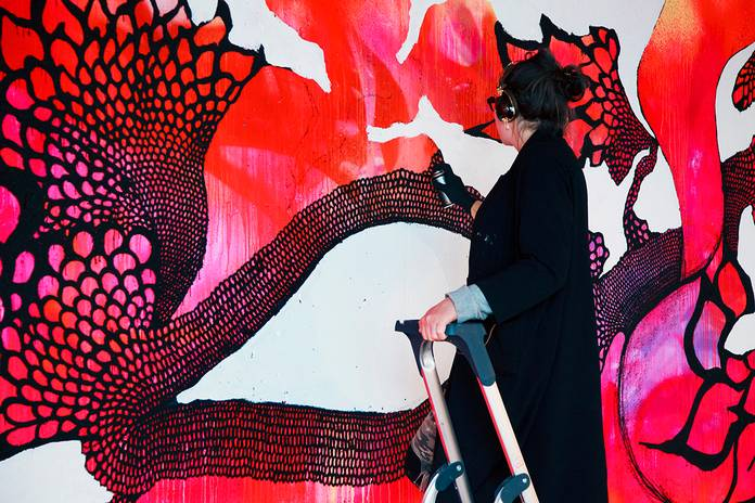 Carolina Falkholt collabore avec Ikéa pour une collection Street Art http://bit.ly/1yqT24D