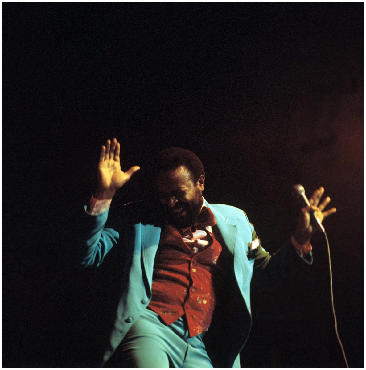 marvin-gaye-performs-on-stage-at-the-royal-albert-hall-london1976